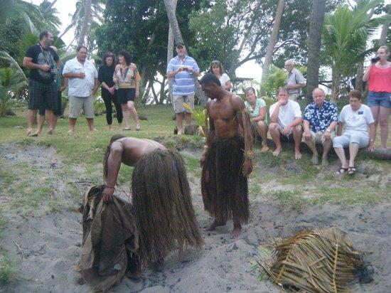 Robinson Crusoe Island: fiji bbq