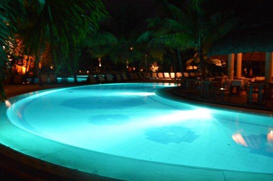 Canonnier Beachcomber Golf Resort & Spa: Hermosa piscina
