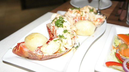Coral Lodge: lobster for dinner