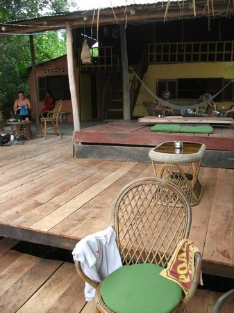 Olly's Place Kampot: The new decking