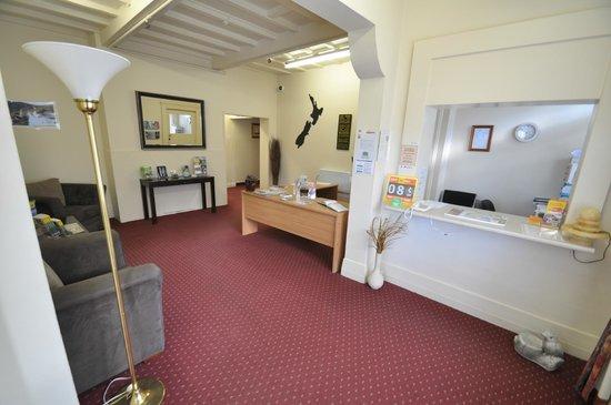 Dunthat Motel: Reception