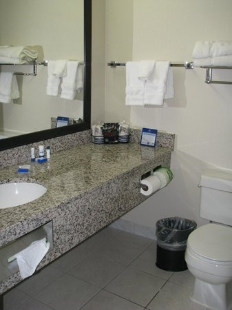 BEST WESTERN PLUS Tucson Int'l Airport Hotel & Suites : nice and clean bathroom