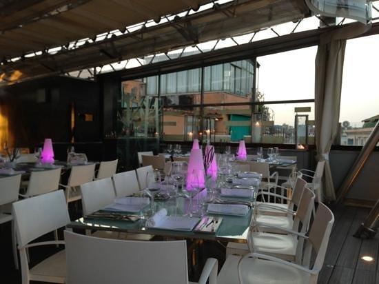 Hi-Res Restaurant: Début de soirée