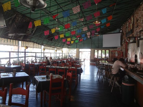 Tijuana Tilly's: interior del restaurante (estilo mexicano)