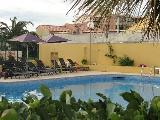 Hotel Eve : Piscine extérieure chauffée