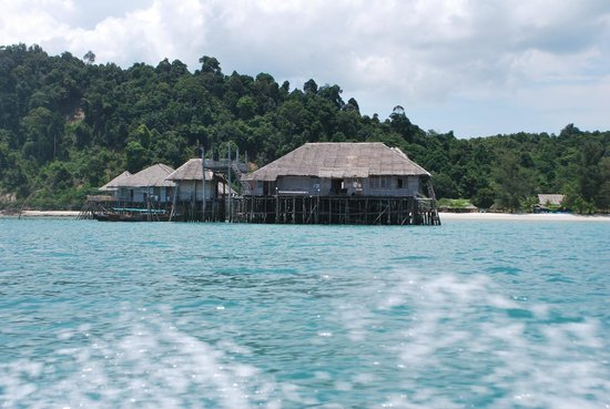 Telunas Resorts - Telunas Beach Resort: The resort while approaching by boat