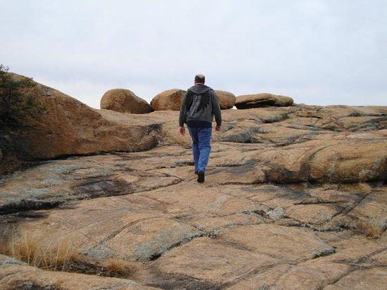Point of Rocks Campground: Trails behind campground