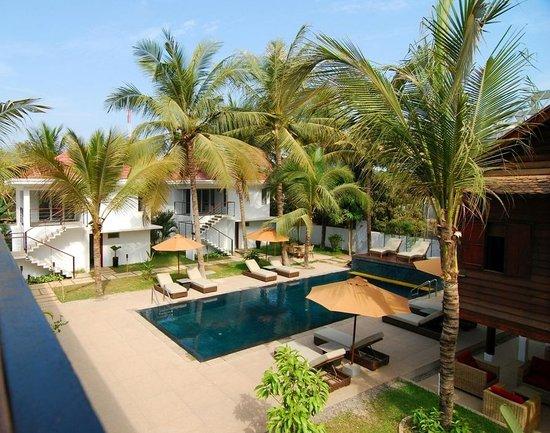 Suorkear Villa Resort: Swimming pool view