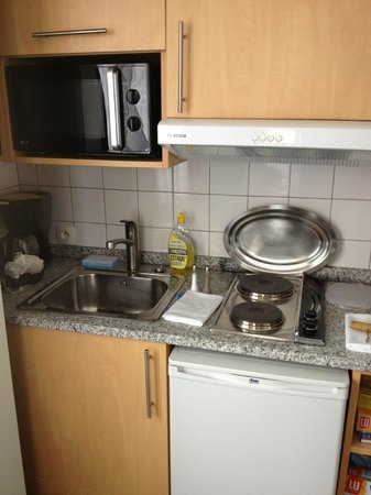 Residence du Roy Hotel: La petite cuisine