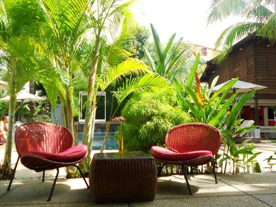Suorkear Villa: Deluxe room swimming pool view