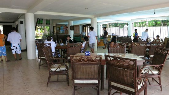 Private Residence Vip Resort: Dining area and lobby at the ground floor