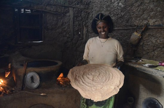 Unique Restaurant: Sisko with Injera freshly made