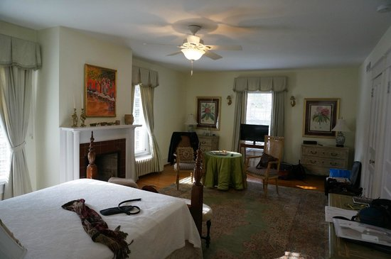 Foreman House Bed & Breakfast: The Audubon room