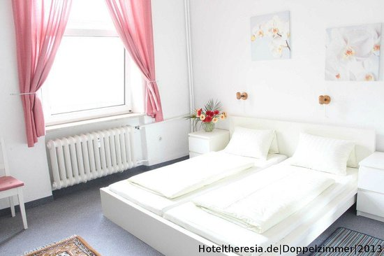 Hotel Pension Theresia Prices B B Reviews Munich Germany Tripadvisor