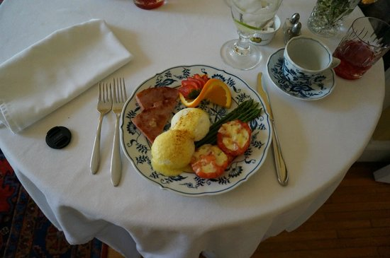 Foreman House Bed & Breakfast: One of Mel's delicious breakfasts