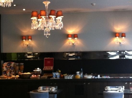Center Hotel: buffet petit déjeuner