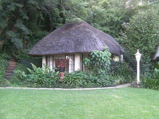 Pleasant Places Guesthouse: Rondavel