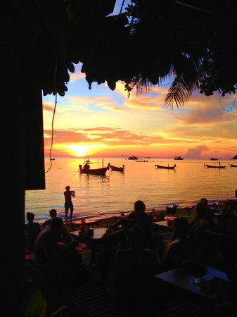 Koh Tao Heights Boutique Villas : Sunset from the beach