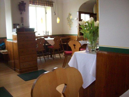 Schlosswirtschaft Burgeln: Blick in die Gaststube