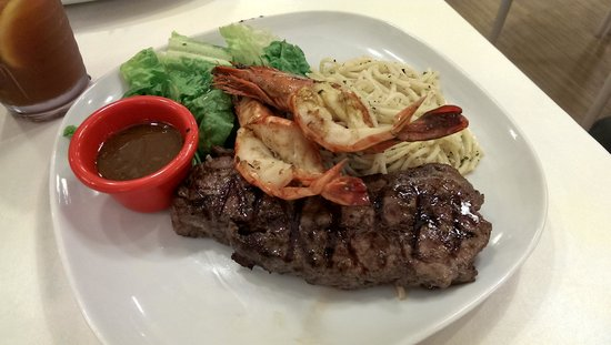 Hot Tomato Express: Steak & Prawn for a quick late lunch