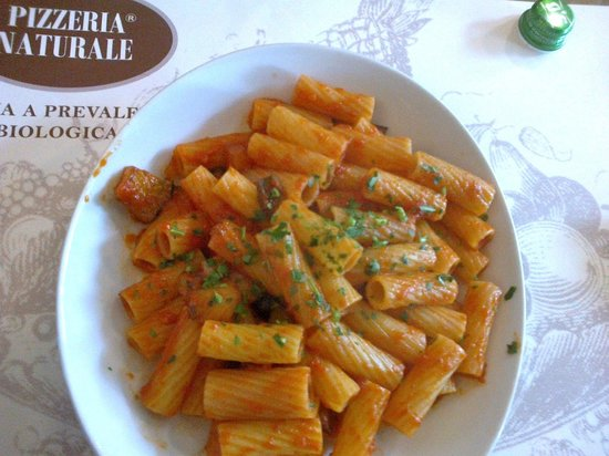 """Pizzeria Naturale : Pasta """"alla siciliana"""" con melanzane"""