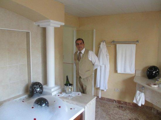 Paradisus Rio de Oro Resort & Spa: Hector