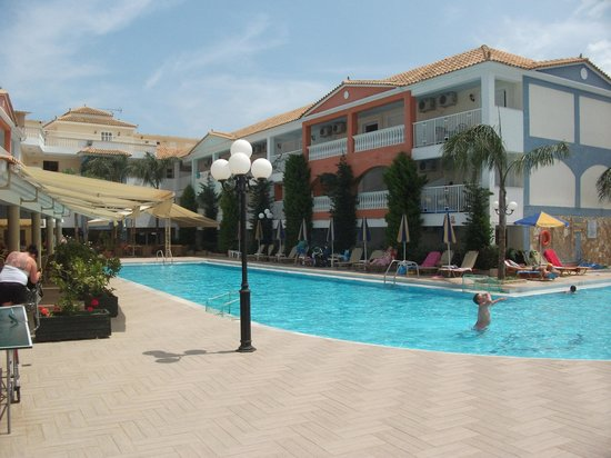 Planos Bay Apartments Hotel: Sunshine! Sunshine!