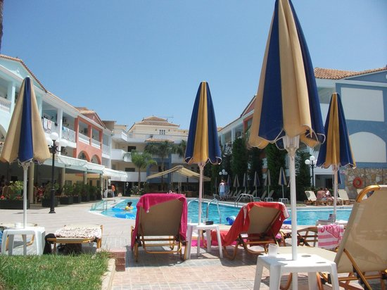 Planos Apart Hotel: Sunshine for everyone!