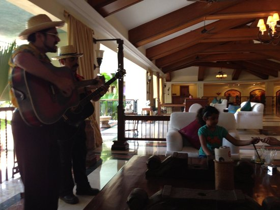 Taj Exotica Goa: Welcome at the Lobby