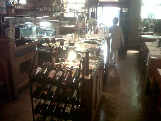 Pizzeria Ristorante Liston : Particolare della saletta posta in entrata del locale.
