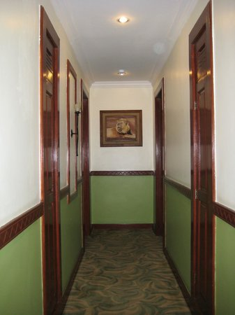 The African Tulip: Corridor.
