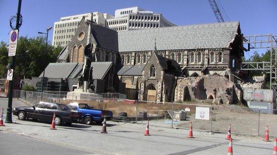 Christchurch Tramway: あの教会ももうすぐあとかたもなくなる?