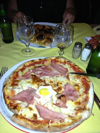 Little Italy: Pizzas