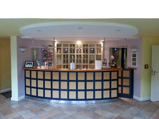 Hotel ARTE Schwerin: reception area