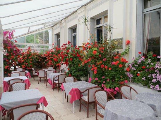 Hotel l'Ecrin: breakfast