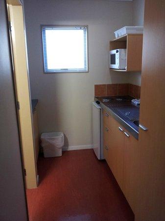 Asure Kaimai View Motel: Kitchen Area