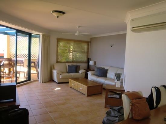 Mediterranean Resorts: living room