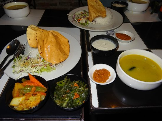 Flavor's Cafe & Restaurant : Dal Baht-traditional Nepalese dish