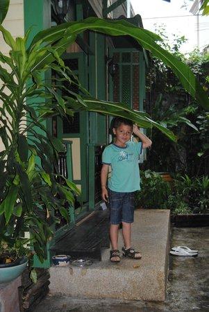 Baan Tepa: dans le jardin devant l'entrée