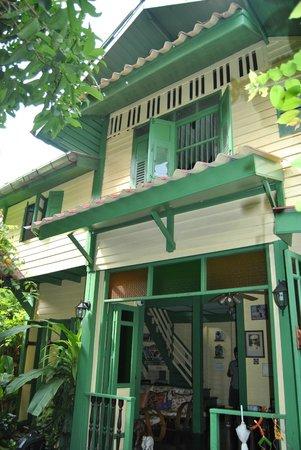 Baan Tepa: façade