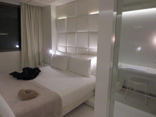 The Mirror Barcelona: Cuarto
