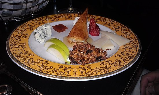 Teknique: Cheese/fruit appetizer...superb!!!