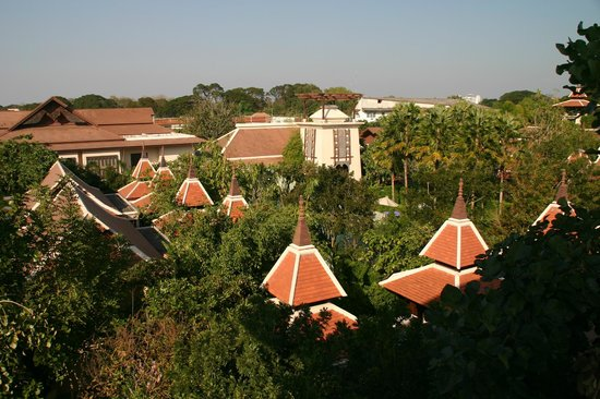 Siripanna Villa Resort & Spa: View on the central garden