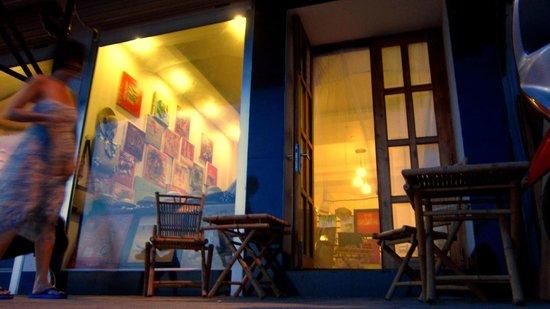 Nina Gallery Cafe