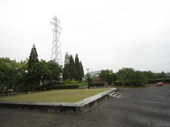 Murasakishikibu Park: 寝殿の基壇
