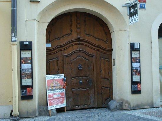 Entry AghaRTA JazzClub, Prague by day