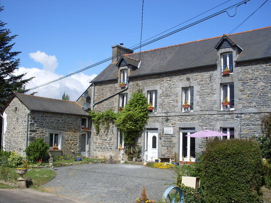 Langourla, France : Front of Chambres D'Hotes