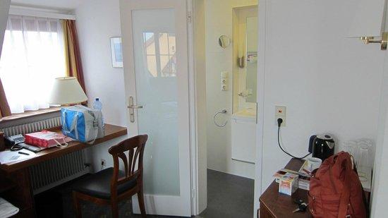 Hotel Warteck: ingresso bagno