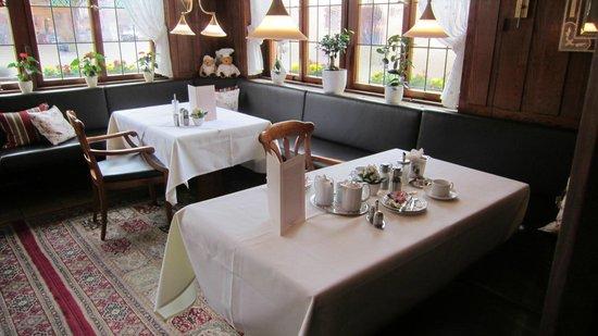 Hotel Warteck: sala colazione e ristorante