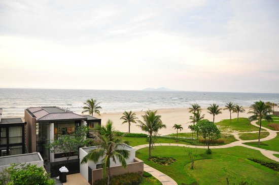 Hyatt Regency Danang Resort & Spa: view from the balcony